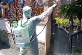 Dukung pencegahan COVID-19, XL HOME semprotkan disinfektan