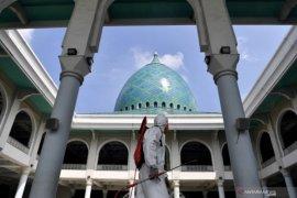 Masjid Al Akbar Surabaya dibuka untuk Shalat Idul Fitri disesalkan banyak pihak