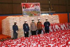Warga Jayapura terima 5.000 paket bantuan  Presiden Jokowi