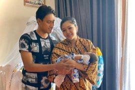 Kabar bahagia, Andhika Wijaya nikmati peran barunya sebagai ayah