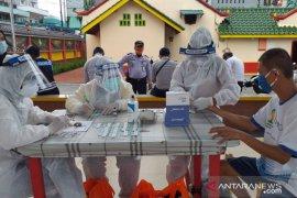 Pedagang pasar di Tanjung Pandan Belitung ikuti uji cepat virus COVID-19