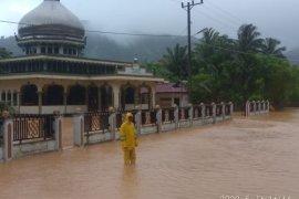 Banjir kembali rendam rumah warga di Lhoong