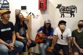 Jubir COVID-19 mengaku termotivasi lagu karya musisi rock Surabaya