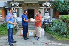 Gianyar dapat bantuan APD dari Garuda Indonesia dan legislator