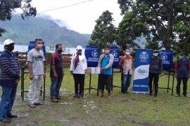 Regal Springs Indonesia serahkan bantuan COVID-19 ke Samosir dan Toba