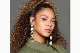 Gaun milik Beyonce, Jlo sampai Julia Roberts akan dilelang eBay untuk amal