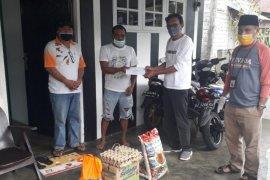 Gustu Kota Ternate Utara salurkan bantuan ke keluarga pasien COVID-19
