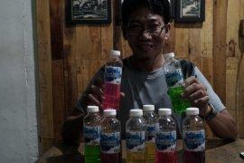 Rumah Jurnalis Pontianak bagikan sabun cuci tangan kepada masyarakat terdampak COVID-19