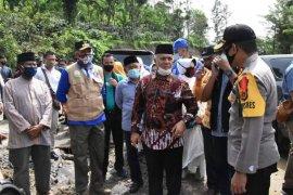 Plt Gubernur salurkan bantuan untuk korban banjir bandang Aceh Tengah