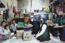 PKB Banjarmasin serahkan kiriman paket sembako Gus Muhaimin ke keluarga pemulung