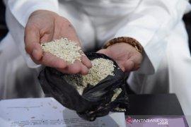 Bulog diminta pastikan beras yang disalurkan layak konsumsi