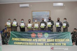 Pemprov Kaltim kembali terima bantuan 90 koli APD dari Kemenkes