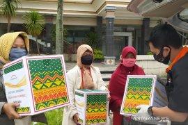 Baksos Nissan Livina Club saat pandemi COVID-19 di Riau