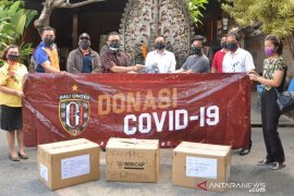 Bali United lanjutkan  program donasi masker