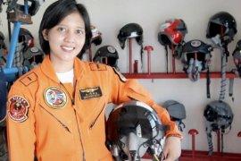 Letda Pnb Ajeng, penerbang tempur wanita pertama di TNI AU