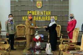 Notaris Banjarbaru peduli warga terdampak COVID-19