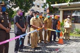 Pemkab Belitung lepas penyaluran paket sembako dampak COVID-19