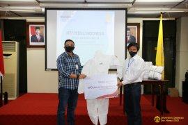 UI distribusikan 1.000 paket APD dan hand sanitizer ke lima rumah sakit di Depok