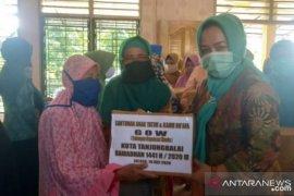 GOW Tanjungbalai berbagi paket lebaran kepada Yatim-Dhu'afa