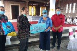 Perbankan Bali donasi 1.100 paket bahan pokok untuk Pemkab Tabanan