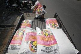 Bulog Jatim operasi pasar gula untuk tekan harga