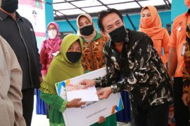 44.742 keluarga di Sidoarjo terima BST Kemensos