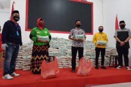 Yayasan H maming 69 salurkan 45 ton beras petani lokal