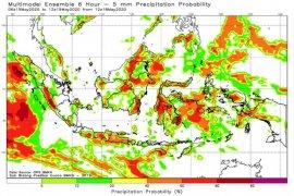 BMKG : Potensi hujan lebat disertai angin kencang masih akan terjadi