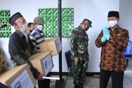 Pemkot Madiun salurkan 511 paket sembako bagi warga Kelurahan Demangan