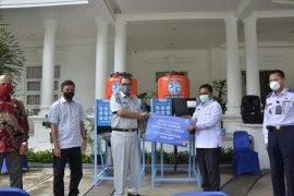 Jasa Raharja bagikan sembako untuk sopir angkutan di Banda Aceh