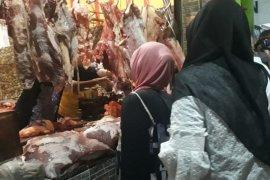 Disnak Situbondo temukan pedagang jual daging ayam tidak layak konsumsi