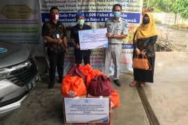 Jasa Raharja Cabang Kalbar berikan 141 paket sembako