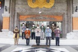 Kapolda Bali imbau masyarakat  Shalat Id di rumah