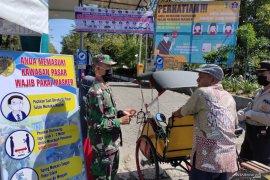 Tidak ada toleransi, tukang becak pun harus putar balik jika tidak memakai masker ke Pasar Barabai