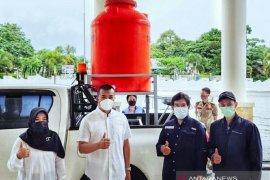 PT SEML bantu Pemkab Solok Selatan alat cuci tangan untuk ditempatkan di pasar