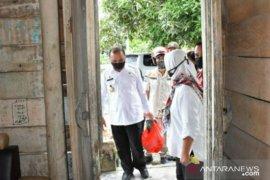 Berbagi kasih Ramadhan, Gubernur Babel kunjungi rumah warga sambil antar sembako