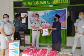 Jasa Raharja Bengkulu salurkan bantuan APD dan sembako