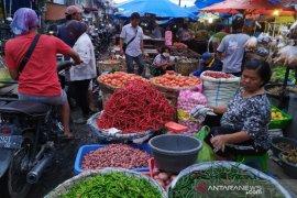 Berikut harga kebutuhan pokok di Pematangsiantar, sayur dan daging umumnya stabil