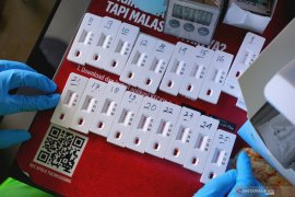 Pulang dari Malaysia 50 WNI asal Kapuas Hulu jalani rapid test