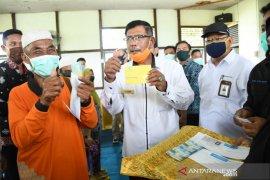 Bupati Citra luncurkan BLT DD pelopor Desa Penjalaan