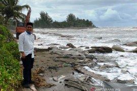 Pemkab Aceh Barat tangani abrasi pantai secara darurat
