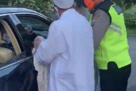 Polisi benarkan insiden pelanggar PSBB di pintu ke luar tol Satelit