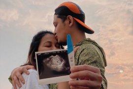 Bunga Jelitha tak khawatir hamil di tengah pandemi  corona