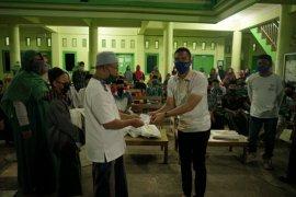 Ibas salurkan bantuan ke desa-desa di Pacitan dan Magetan