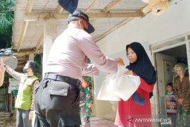 Polres Bogor datangi  warga Cijeruk mengaku tak dapat bansos