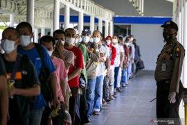 Enam pekerja migran yang kembali ke Indonesia dikategorikan rentan