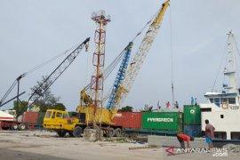 Peti kemas di Pelabuhan Tanjung Pandan turun akibat pandemi COVID-19