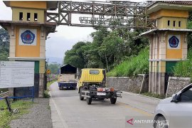 Arus kendaraan jalur selatan Jateng pada H-3 Lebaran landai