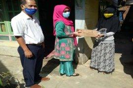 BKKBN Jambi sapa dan salurkan bantuan 1.000 paket sembako untuk warga