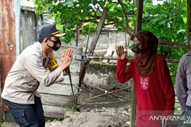 Polres Bangka Barat salurkan bantuan paket sembako